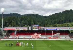 1. Liga: Zuschauerzahlen und Auswärtsfahrer des 1. Spieltag