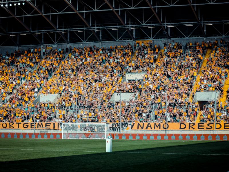 2. Bundesliga: Zuschauerzahlen und Auswärtsfahrer des 8. Spieltags